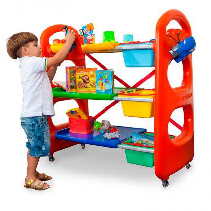 Brincando de casinha as crianças são estimuladas a se desenvolverem